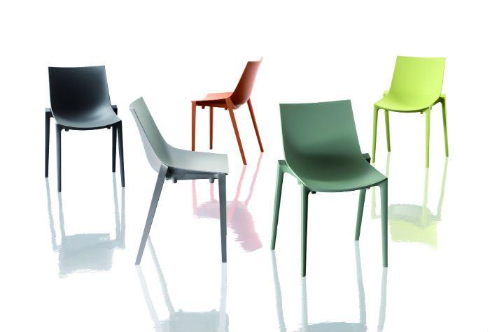 כיסא Zartan בעיצובו של פיליפ סטארק למותג MAGIS