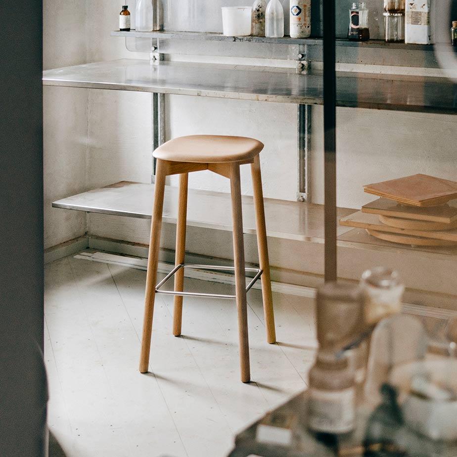 כסא בר SOFT EDGE 32