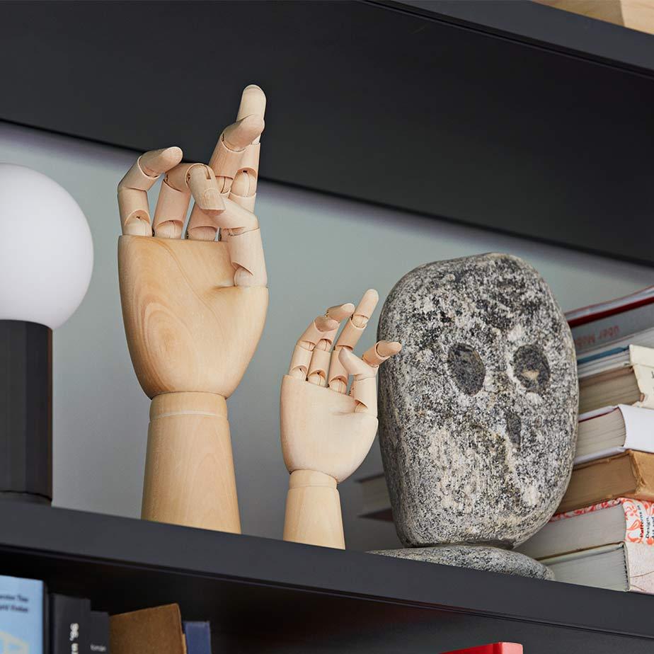 פסל WOODEN HAND L