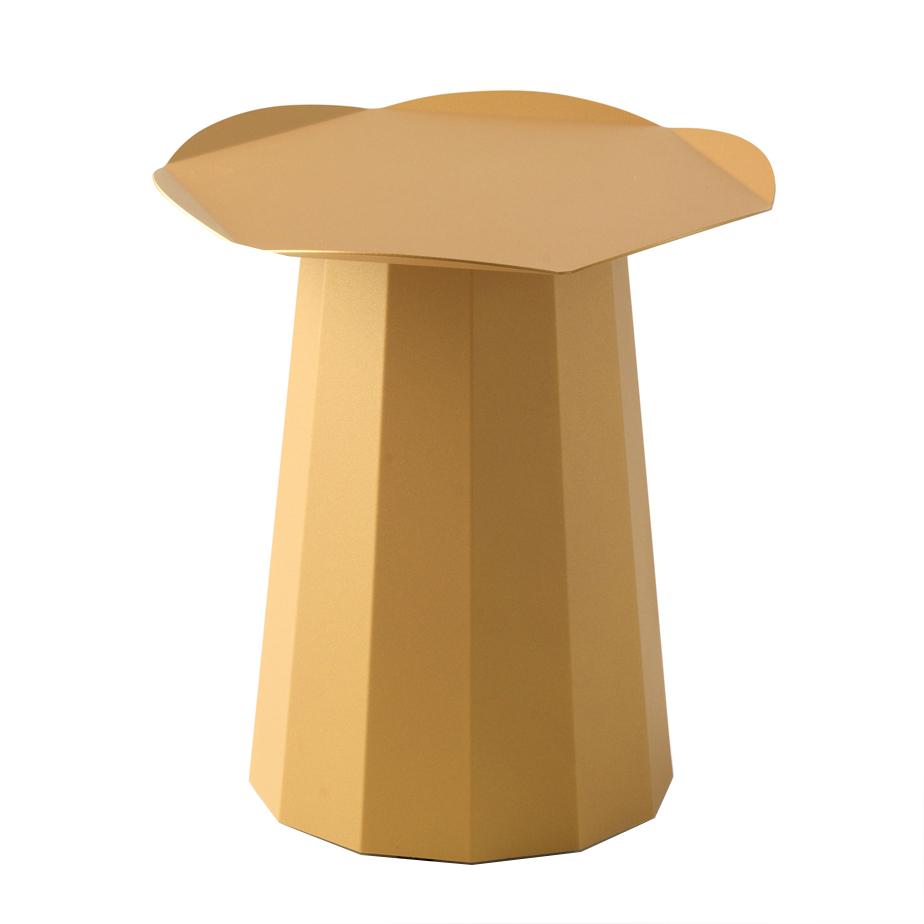 שולחן קפה GOLDEN NUGGET מתצוגה