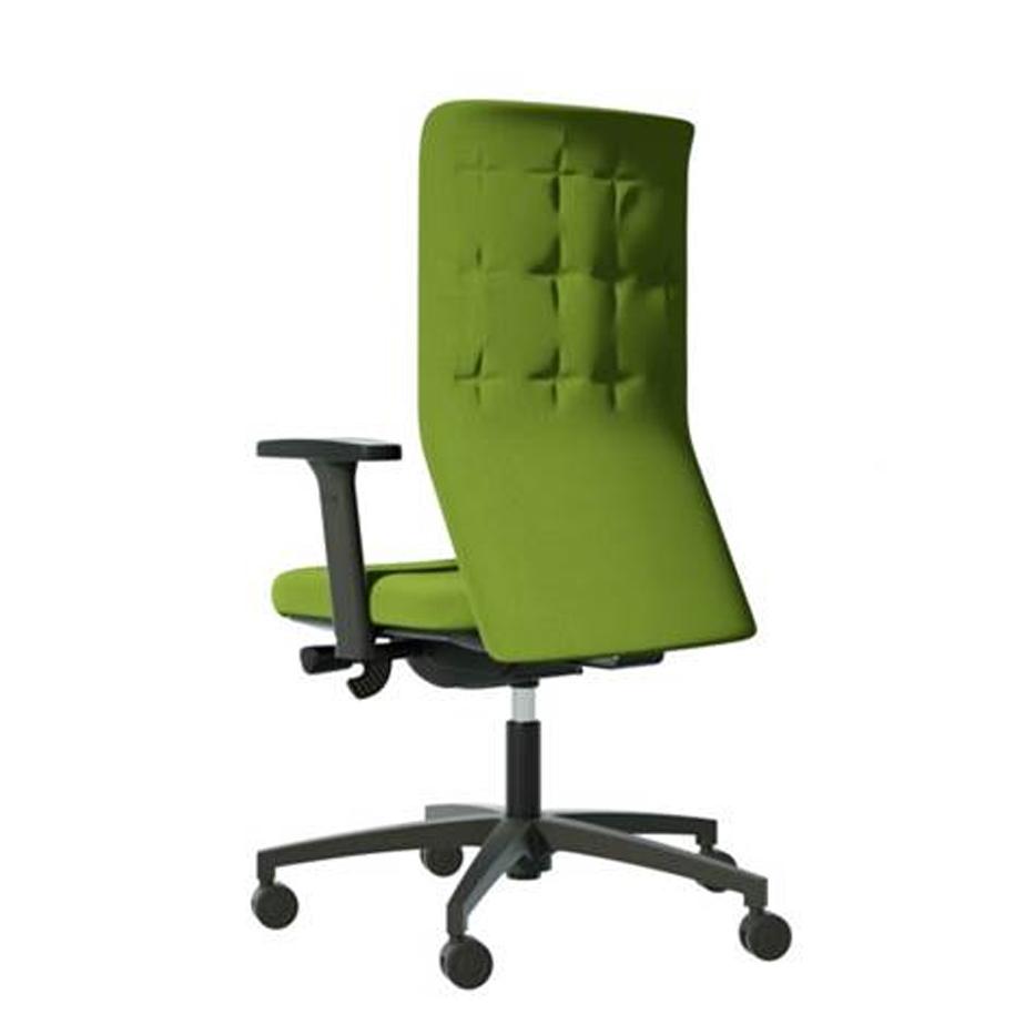 כסא UNICA מתצוגה