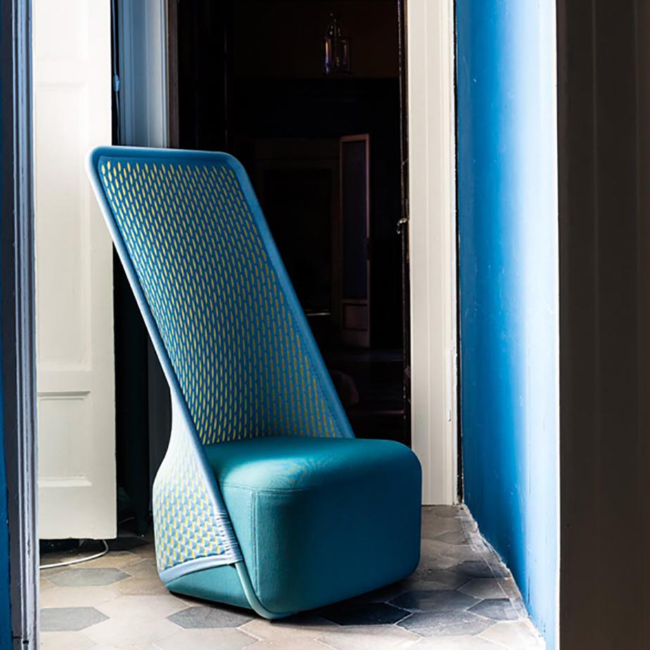 כורסא CRADLE מתצוגה