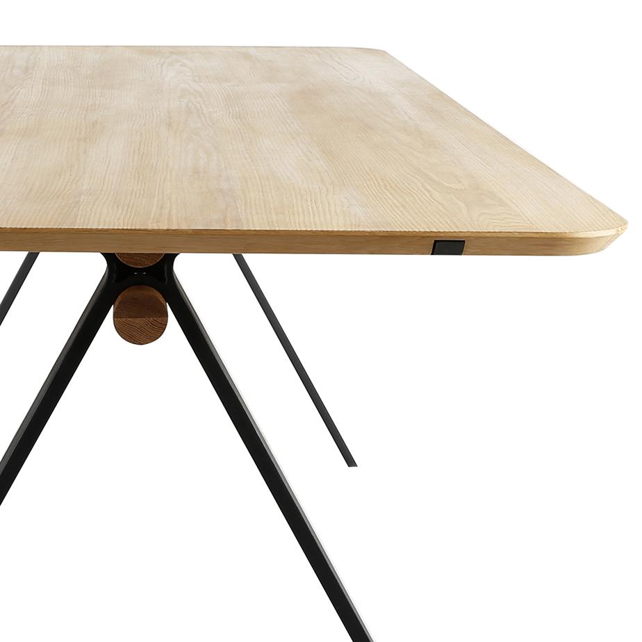 שולחן ALPHA (תצוגה)
